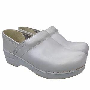 Dansko White Leather Nursing Mule Clog Shoes